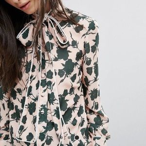 Necktie pink /green long sleeve blouse